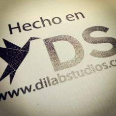 hecho en www.dilabstudios.com, diseñando y desarrollando productos que establecen las aristas de comunicación en las empresas y emprendedores.