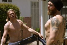 in_memoriam-opie_winstons_5_greatest_moments-5-charlie_hunnam-ryan_hurst