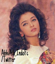 A young Aishwarya Rai Aishwarya Rai Young, Aishwarya Rai Images, Aishwarya Rai Photo, Actress Aishwarya Rai, Aishwarya Rai Bachchan, Deepika Padukone, Bollywood Actress, Vintage Bollywood, Bollywood Girls