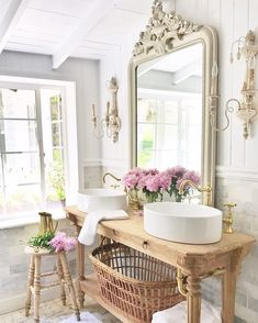 French Cottage Bathroom Vanity: How to get the look details - Country Decor French Country Bedrooms, French Country Cottage, French Country Decorating, Country Bathrooms, Country Farmhouse, Chic Bathrooms, Bathroom Vanities, French Country Bathroom Ideas, Farmhouse Decor