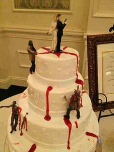 Thanks to lots of films and the Walking Dead zombies have become super trendy! Some couples dare to rock zombie theme on their big day, especially if it's a Halloween wedding. Zombie Wedding Cakes, Halloween Wedding Cakes, Cool Wedding Cakes, Zombie Cakes, Scary Cakes, Cupcakes, Cupcake Cakes, Zombies, Festival Woodstock