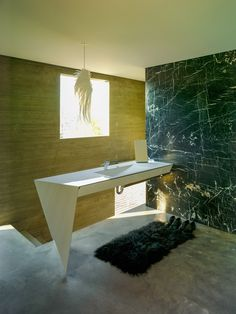 Kulapat Yantrasast's Concrete Ideas - bathroom3