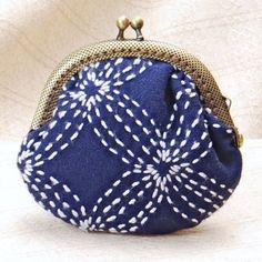 Sashiko stitched clasp purse kit by Alderspring Design Embroidery Purse, Sashiko Embroidery, Embroidery Supplies, Shibori Fabric, Fabric Purses, Handmade Purses, Patchwork Bags, Purse Patterns, Brown Bags