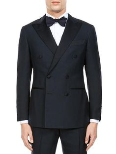 The Thom Sweeney dinner jacket.