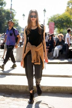 #TanyaKatysheva looking awesome. #offduty in Paris.