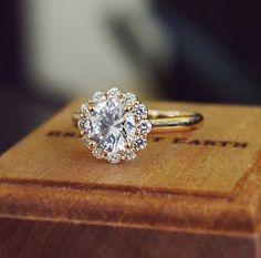 Tendance Bagues 2017 / 2018 : 14K Rose Gold Lotus Flower Diamond Ring