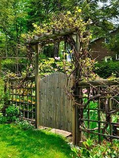 Everyone has their own garden design, whether it's a secret garden, cottage garden, or a small garden in the backyard. Amazing Gardens, Beautiful Gardens, House Beautiful, Garden Gates And Fencing, Garden Arbor With Gate, Backyard Gates, Arbor Gate, Arbor Bench, Backyard Privacy