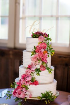 Four tier pink peony and ranunculus wrapped wedding cake: Photography: Asya Photography - Floral Wedding Cakes, Cool Wedding Cakes, Beautiful Wedding Cakes, Gorgeous Cakes, Pretty Cakes, Dream Wedding, 4 Tier Wedding Cake, Floral Cake, Wedding Beauty