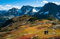 Beautiful mountains to hike: Sahale Arm Trail, Cascade Pass, North Cascades National Park, Washington. (Greg Vaughn photography)