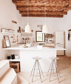 Modern Kitchen Interior make mine rustic chic. - recently, i've just been overcome with the desire for open beamed ceilings and warm interiors with a that lovely rustic feel. Küchen Design, Home Design, Design Ideas, Rustic Design, Design Trends, Design Inspiration, Rustic Kitchen, Kitchen Decor, Open Kitchen