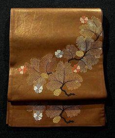 Flamboyant Matsu Pattern Gold Fukuro Obi