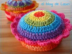 Crochet pincushion...clever and cute!