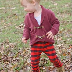 Boys have a different shape than girls - make them some leggings that will fit great! Baby Clothes Patterns, Baby Patterns, Clothing Patterns, Onesie Pattern, Baby Pants Pattern, Baby Boy Leggings, Pdf Sewing Patterns, Baby Sewing, Boys