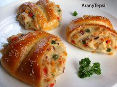 Zöldséges pillangók European Dishes, Hungarian Recipes, Hungarian Food, I Want To Eat, Bread Baking, Baked Potato, Entrees, Breakfast Recipes, Bakery