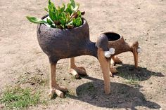 Kewl planter idea... Hypertufa?
