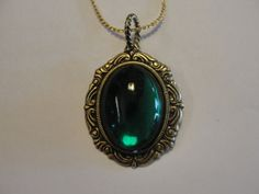 Vintage style EMERALD Kelly GREEN art by VintageDesignsByLD, $8.50