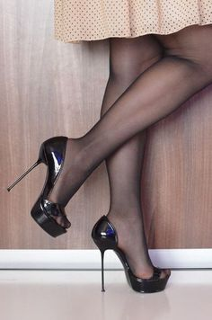 Platform High Heels, Black High Heels, High Heel Boots, Heeled Boots, Desert Boots, Nylons Heels, Stiletto Heels, Black Pantyhose, Black Tights