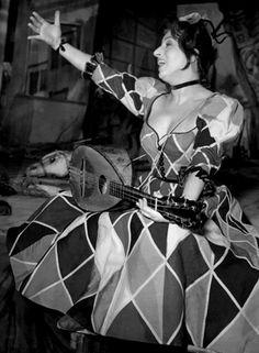 Anna Magnani in La Carrozza D'Oro, 1953