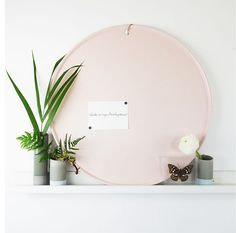 Magneetbord roze heeft de naam Marie gekregen in de DEENS.NL eigen label collectie. Grote ronde magneetborden in kleur shop je hier online voor 39,95!