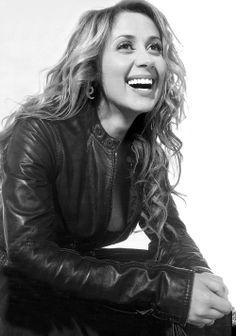 Lara Fabian, ma chanteuse preferee au monde! !!!!!!!!! <3 Je t'aime ma belle