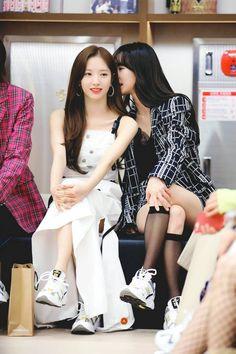 Cute Lesbian Couples, Cosmic Girls, Girl Bands, Korean Celebrities, Bridesmaid Dresses, Wedding Dresses, Korean Women, Kpop Girls, Girl Group