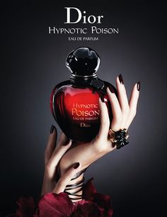 smell deliciosoooo Hypnotic Poison Eau de Parfum Dior perfume - a new fragrance for women 2014 Parfum Dior, Parfum Chloe, Fragrance Parfum, New Fragrances, Christian Dior Hypnotic Poison, Perfume Glamour, Perfume Hermes, Lipsticks, Perfume Collection