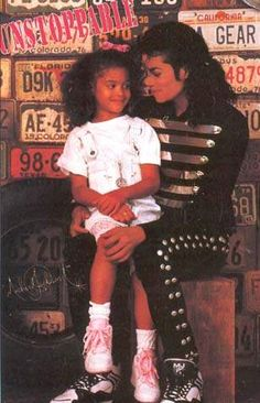 Look at the way they are looking at each other he loved kids so much and would never harm them Michael Jackson Bad Era, Janet Jackson, The Boy Is Mine, My Love, Most Beautiful Man, Beautiful People, Louisiana, Aishwarya Rai Movies, Bad Gyal
