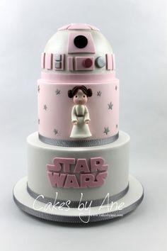 Princess Leia Star Wars Cake - Star Wars Princesses - Ideas of Star Wars Princesses - Princess Leia Star Wars Cake Girls Star Wars Cake, Girls Star Wars Party, Star Wars Birthday Cake, Star Wars Baby, Birthday Cakes, Birthday Ideas, Leia Star Wars, Bolo Star Wars, Star Wars Princess Leia