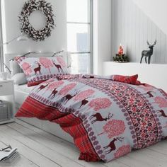 vanocni 20181107 jeleniCerveni Comforters, Blanket, Bed, Home, Creature Comforts, Quilts, Stream Bed, Ad Home, Blankets