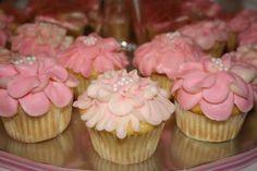 cute pink flower cupcakes