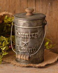 New Primitive FarmhouseTin Country Living Star Rusty Metal Bucket Pail Lid Country Kitchen, Country Living, Country Decor, Country Life, French Country, Farmhouse Decor, Country Crafts, Country Charm, Farmhouse Design