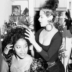 I love this picture. Debbie Allen & sister Phylicia Rashad Allen.