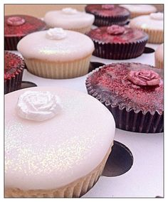 #MariesCakesSitges #MariesCakesbcn #weddings #weddingsitges #weddingcakessitges #weddingcakesbarcelona #barcelonacake #barcelonabirthdaycake #sitgesbirthdaycake #mariescakes4808 #glutenfree