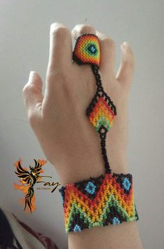 Boho Jewelry, Beaded Jewelry, Beaded Bracelets Tutorial, Bead Loom Patterns, Plastic Canvas Patterns, Loom Beading, Ring Bracelet, Brooches, Diy And Crafts