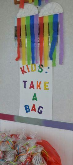 Rainbows. Noah's ark party. Party favor bag table
