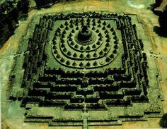 Ancient Borobudur temple, near Jogjarkata, Indonesia is build as a three dimensional mandala. Wonderful Places, Great Places, Places To Travel, Places To Go, Borobudur Temple, Meditation Exercises, Bali, Sacred Architecture, Film Aesthetic