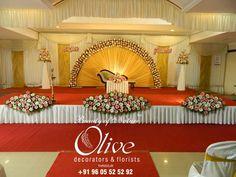 Reception Stage Decor, Wedding Stage Design, Wedding Reception Backdrop, Wedding Mandap, Indian Wedding Flowers, Indian Wedding Stage, Marriage Hall Decoration, Simple Wedding Decorations, Simple Stage Decorations