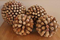 bouchon de liege decoration, boules décoratives en polystyrène et bouchons de liège