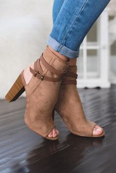 Shop trendy women's boots, booties, heels, shoes and sandals. New arrivals daily. Fancy Shoes, Pretty Shoes, Crazy Shoes, Beautiful Shoes, Cute Shoes, Me Too Shoes, Heeled Boots, Bootie Boots, Shoe Boots