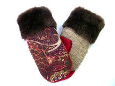 Sweater mittens sweater mitten CroqueMitaines par CroqueMitaines Sweater Mittens, Sweaters, Gucci, Etsy, Shoes, Fashion, Wool Felt, Woman, Moda