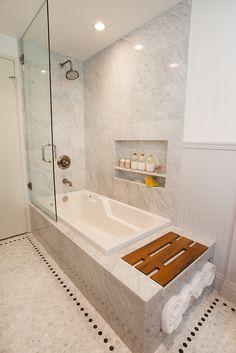 Bath2_1.jpg half shower door for childrens tub. Prevent disasters!