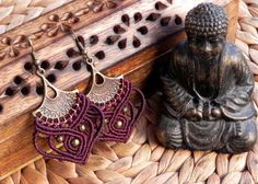 Macrame earrings tribal earrings bohemian jewelry por QuetzArt
