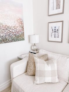 Emma Courtney: Amazon Home Decor Favourites Amazon Home Decor, Home Decor Items, Current Time, Cute Bedroom Ideas, Stack Of Books, Beaded Garland, Coffee Table Books, Candlestick Holders, Decorative Items