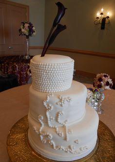 modern wedding cake with pearls