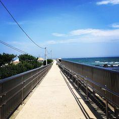 おはようございます . 8月も中旬というのに横浜は今日もはっきりしない天気です . せめて過去picで気分転換 . #大磯 #神奈川 #海岸 #青空 #まっすぐ #oiso #kanagawa #japan #beach #bluesky #straightway