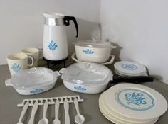 Toy Corning Ware Dish Set