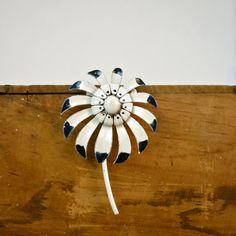 Mid Century Brooch / Mod Blossom by jessjamesjake on Etsy, $20.00
