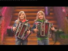 Das Twinnies.  Wish I could do this.