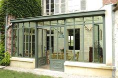 Veranda en acier Atelier d'artiste largeur montant calée sur largeur fenetre - fonctionne bien
