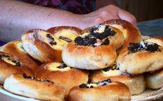 koláče Czech Recipes, Hungarian Recipes, Bagel, Sweet Recipes, Goodies, Pie, Bread, Dishes, Baking